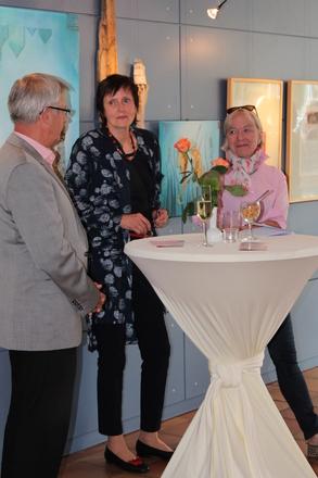Ausstellungseröffnung im Haus des Gastes in Graal-Müritz: Dr. Kuntze, Fr. Meyer-Klüßendorf, Dr. Kristine von Soden