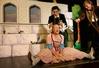 """""""Frau Holle"""" mit  Anne Ebel als Maria, Martin Klinkenberg als Max und David Kopp als Alexander. Foto (c) Silke Winkler"""
