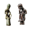 """Taschengötter unter sich: Der """"Götze"""" aus Gatschow (rechts) und die neu entdeckte Figur aus Ribnitz (links). (Foto: LAKD MV/LA)"""