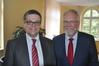Landrat Rolf Christiansen begrüßte heute Joachim Reimer als Leiter des neu aufgestellten Fachdienstes Zivil-, Brand- und Katastrophenschutz. Foto: Landkreis Ludwigslust-Parchim