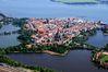 Ein Luftblick auf die Hansestadt Stralsund ...
